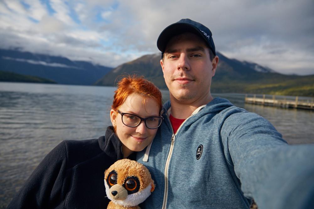 Chrisi und Ronnie vom Reiseblog Miles and Shores bei unserem Roadtrip in Neuseeland