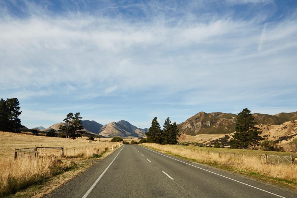 Nach einem doch etwas hektischen Start können wir uns langsam zurücklehnen. Uns steht eine lange Autofahrt bevor.