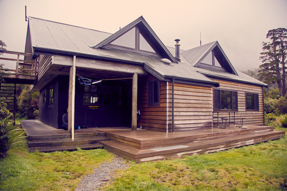 Copland Track, Welcome Flat Hut, Hütte, Regen, regnerisch, Ziel, Ende, Übernachten, Übernachtung