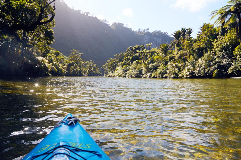 Unsere Kajaktour auf dem Pororari River. Das war der Blick den Fluss in den Regenwald hinein. Einfach unbeschreiblich! Ein absoluter Geheimtipp für jede Neuseeland Reise!