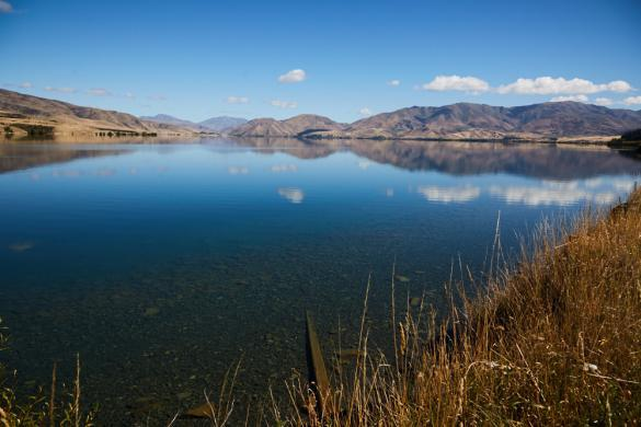 Lake Waitaki, spiegelnd, Spiegelsee, schoen, Südinsel, Omarama, Neuseeland, New Zealand