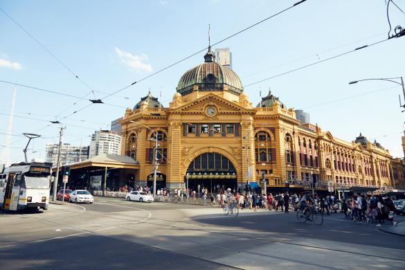 Melbourne, Australien, Australia, Städtetrip, Federal Square, Strassenbahn, Free Zone, Touristen, tourists, great, cheap, guenstig, toll, schoen