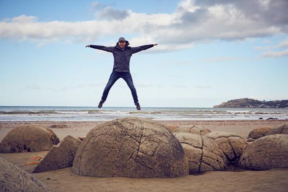 Moeraki Boulders, Ostküste, Südinsel, Neuseeland, New Zealand, Ronnie, springt, Springfoto, Miles and Shores, Blogger, Reiseblog, Travelblog