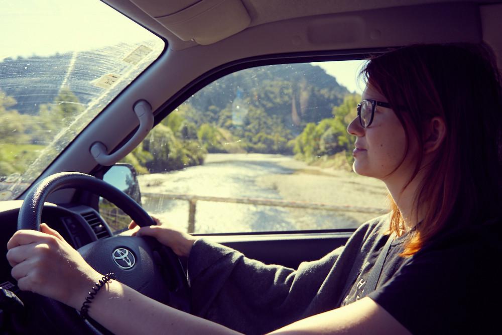 Autofahren in Neuseeland auf der linken Straßenseite kann schon eine Herausforderung sein. Bei uns hat es aber nach einiger Zeit sehr gut geklappt