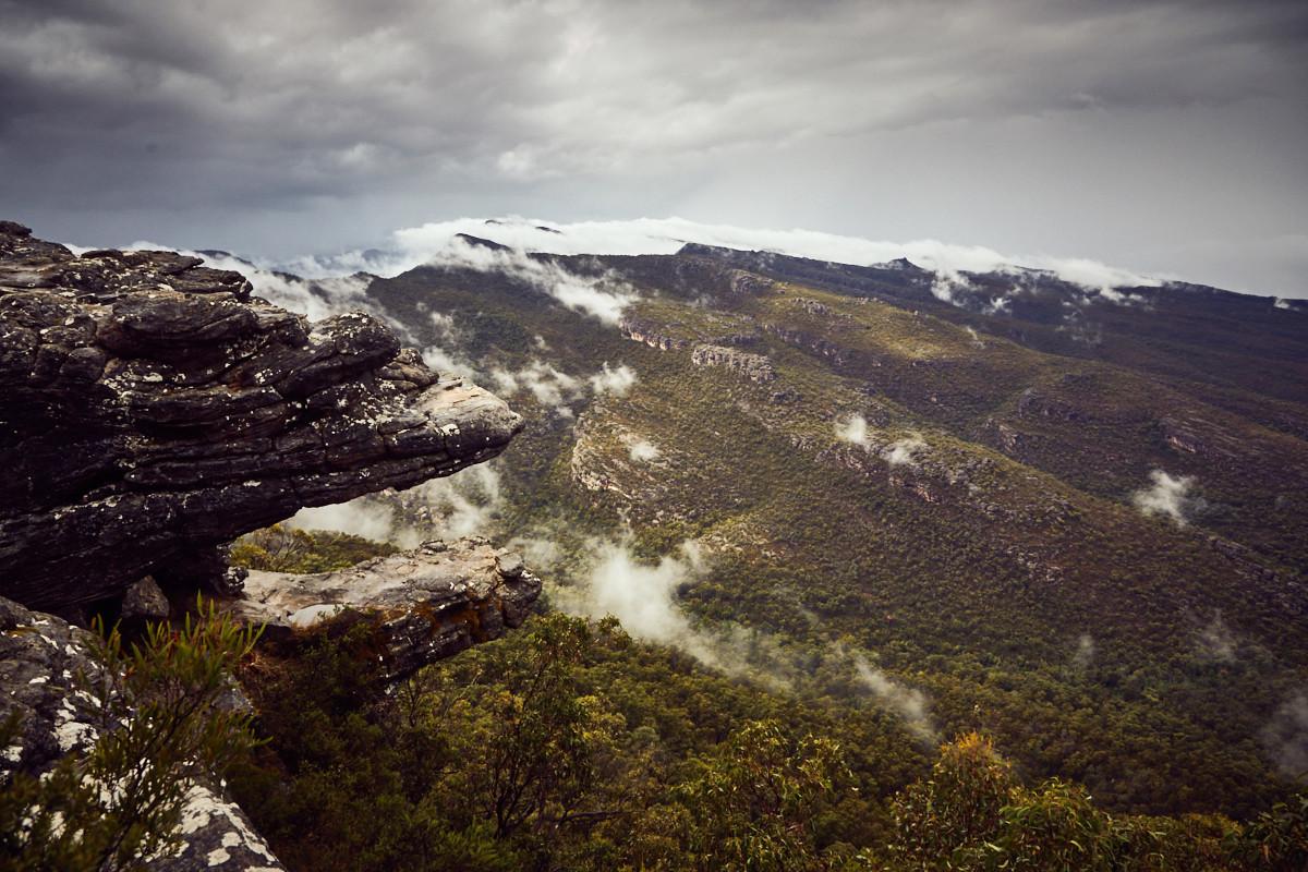 Balcony, Balconies, Lookout, Grampians, Nationalpark, National Park, nebelig, wolkig, Wolken, Herbst, Australien