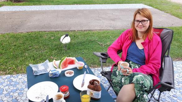 Chrisi, Campingplatz, Brisbane, Vogel, Tiere, Newmarket Gardens Caravan Park, Australia, roadtrip, frühstück, breakfast