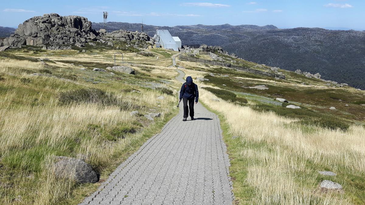 Mount Kosciuzko, Australien, Australia, Rundreise, Roadtrip, wandern, Wanderung, starker Wind, 80 km/h,