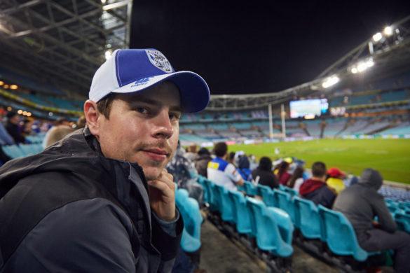 Ronnie, im Stadion, Rugby, Sport, Fan, Bulldogse, Wie bekommt man Karten für ein Rugby Game, Australien