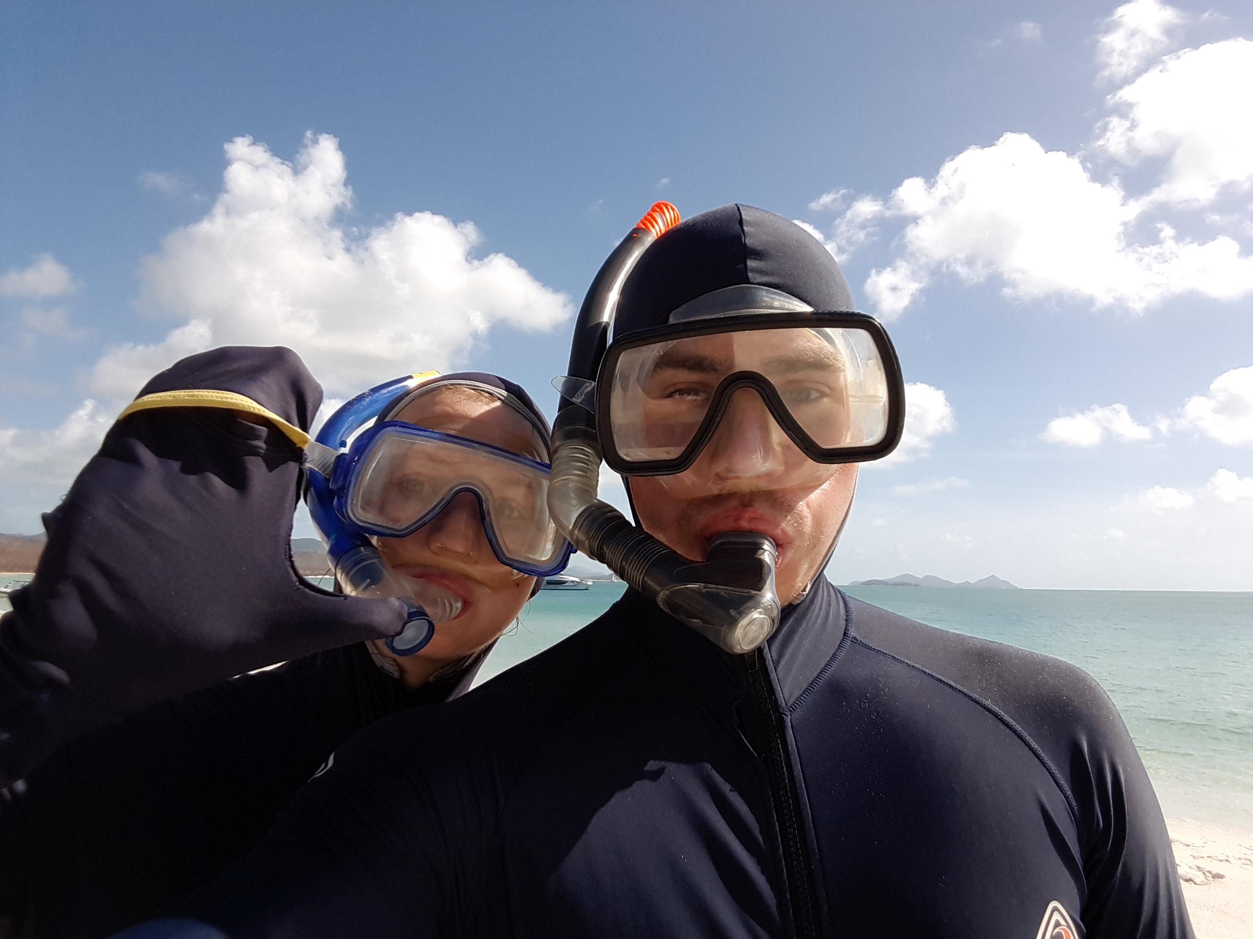 Stinger Suit, Whitsunday Islands, Whitehaven Beach, Reiseblog, Miles and Shores, Chrisi und Ronnie, Wetsuit, Schnorcheln, snorkeling, Strand, Tour, buchen, Erfahrungen