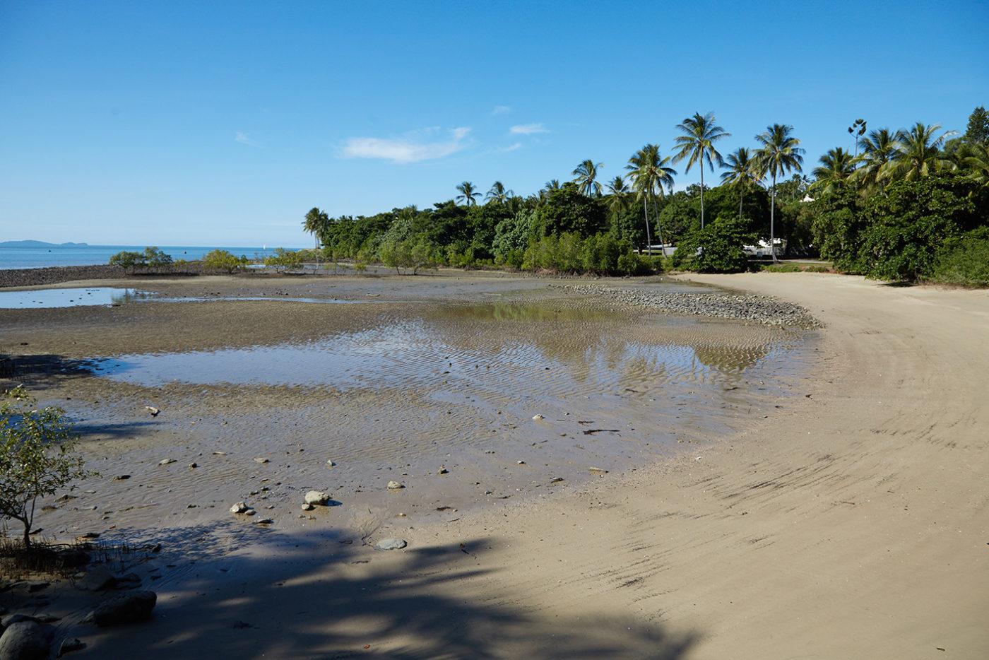 Port Douglas, Cairns, Australien, Roadtrip, Miles and Shores, Reiseblog, Reiseblogger, Strand, Bucht