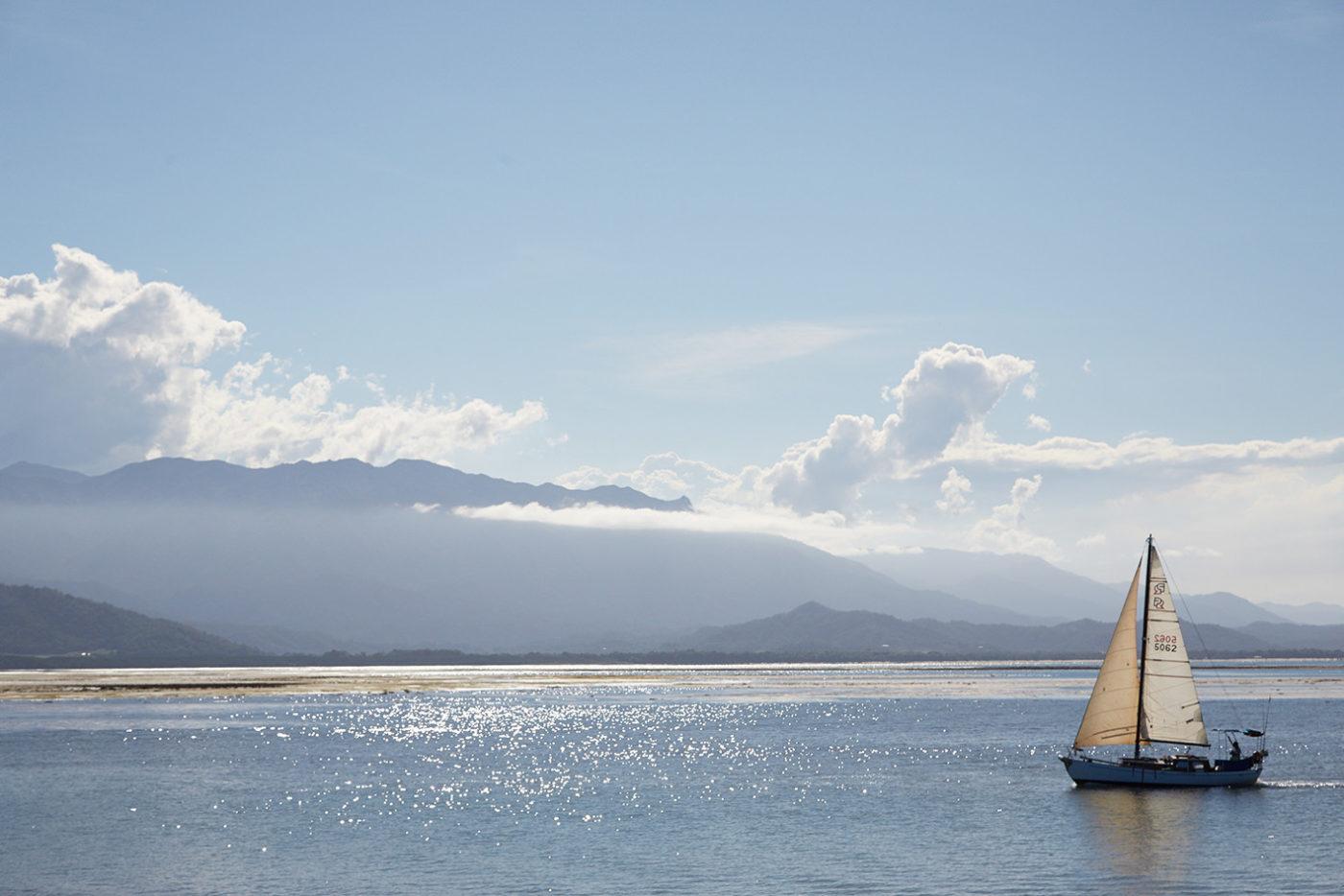 Port Douglas, Segelschiff, Segen in Australien, Cairns, Australien, Roadtrip, Miles and Shores, Reiseblog, Reiseblogger, Strand, Ozean, Meer