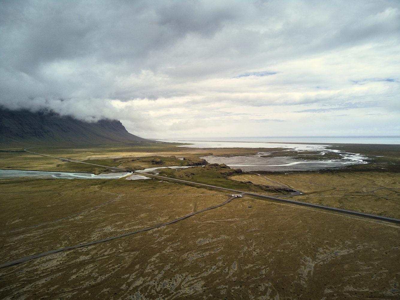 Snaeffelsnes, Geheimtipp, Drohne, Drohnenaufnahme, Drohnenshot, drone shot, flying drones in Iceland, Drohnefliegen in Island, Rundreise, Roadtrip, Tagesausflug, Halbinsel, Aussicht, Sheeps Waterfall, Sheep's Waterfall