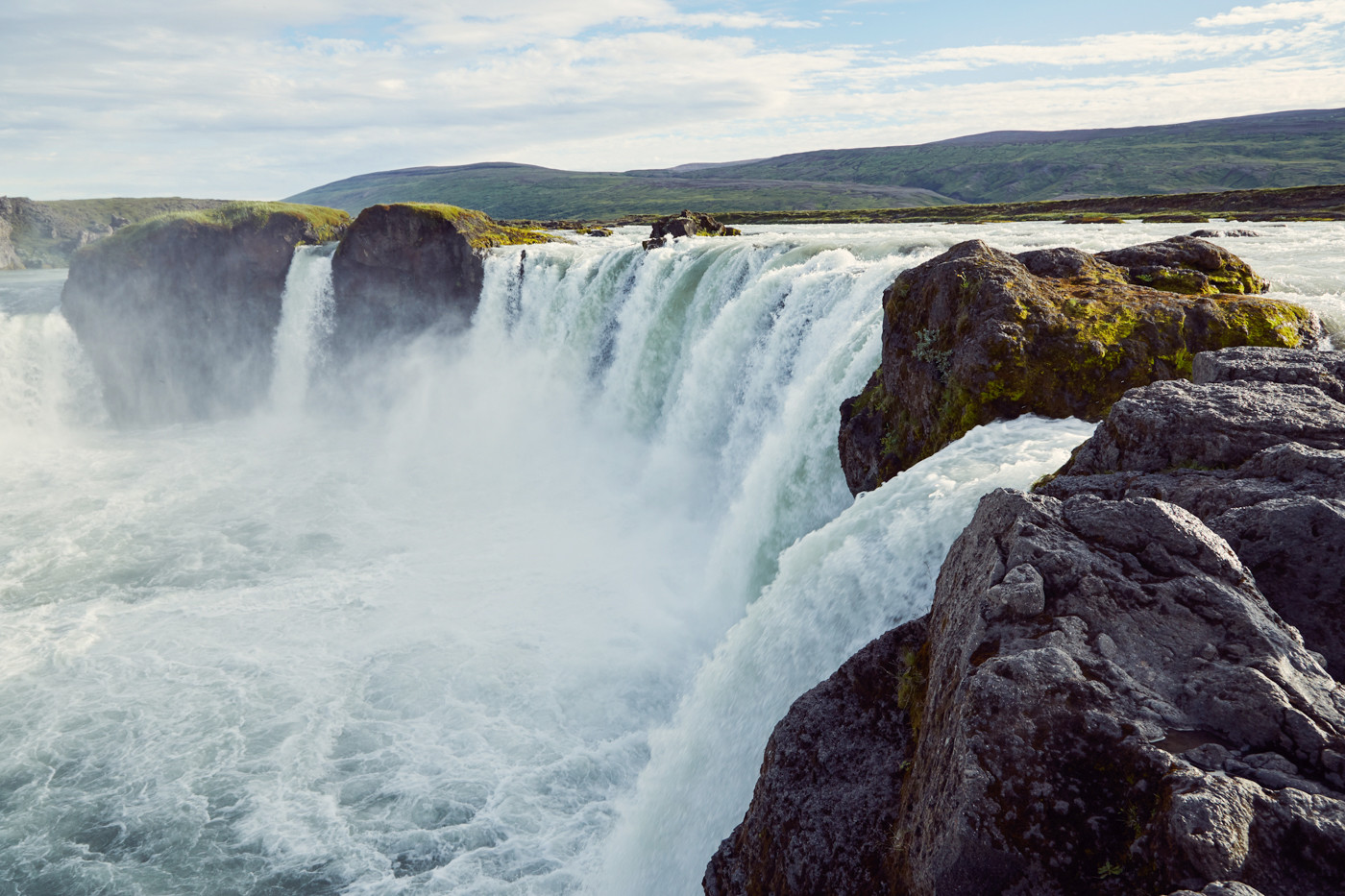 godafoss, wasserfall, waterfall, island, iceland, roadtrip, miles and shores, ringstraße, roadtrip, roundtrip