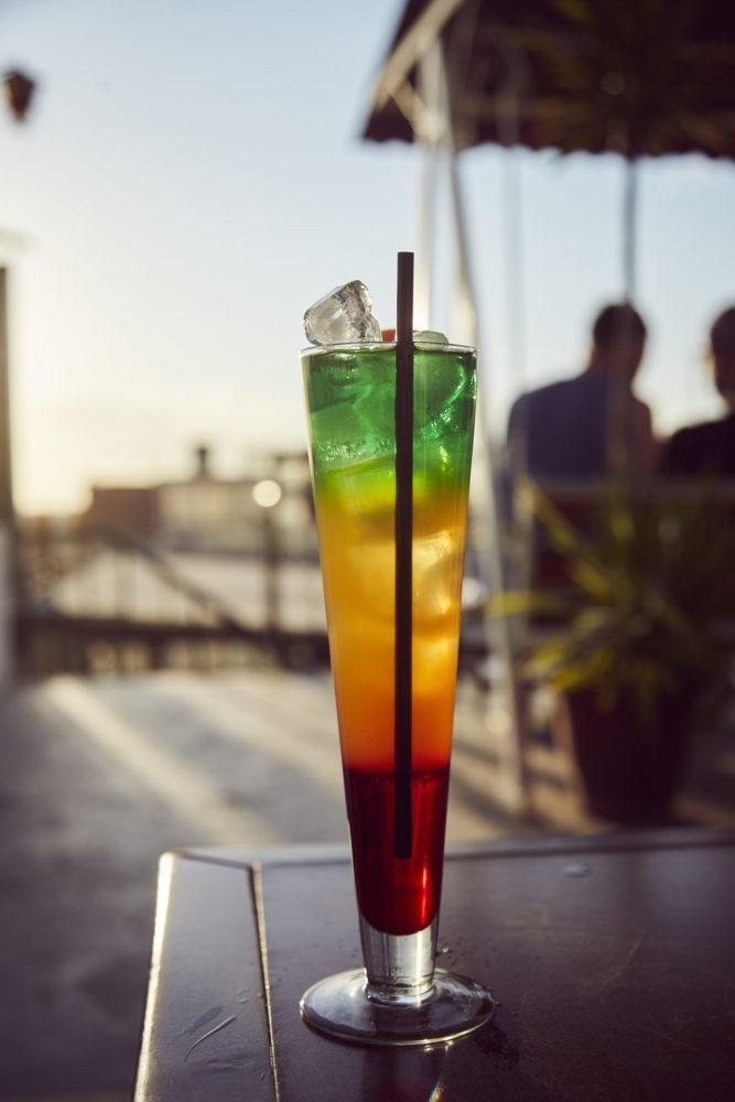 Cocktail in der Rooftop bar in Arequipa, diese Bar ist bei jedem Peru Urlaub einen Besuch wert!