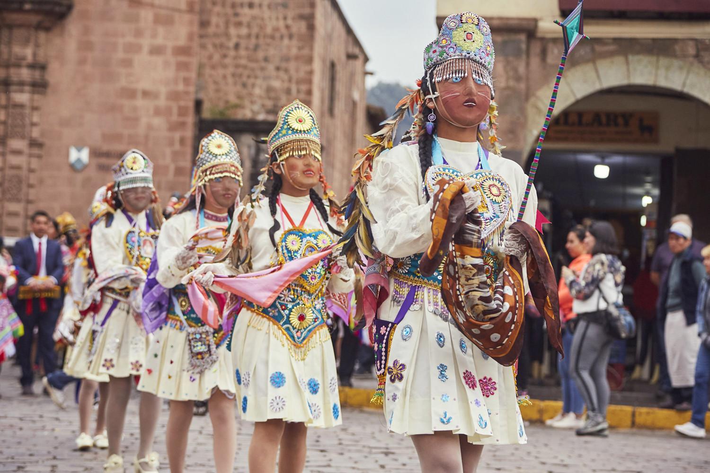 Festumzug in Cusco, Mädchen in Verkleidung