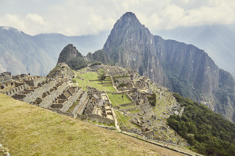 Machu Picchu, sonniger Tag, wenige Menschen