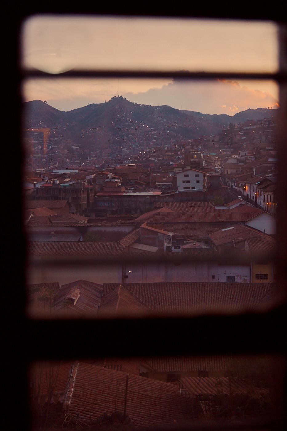 Blick aus unserem Fester auf Cusco im Sonnenuntergang