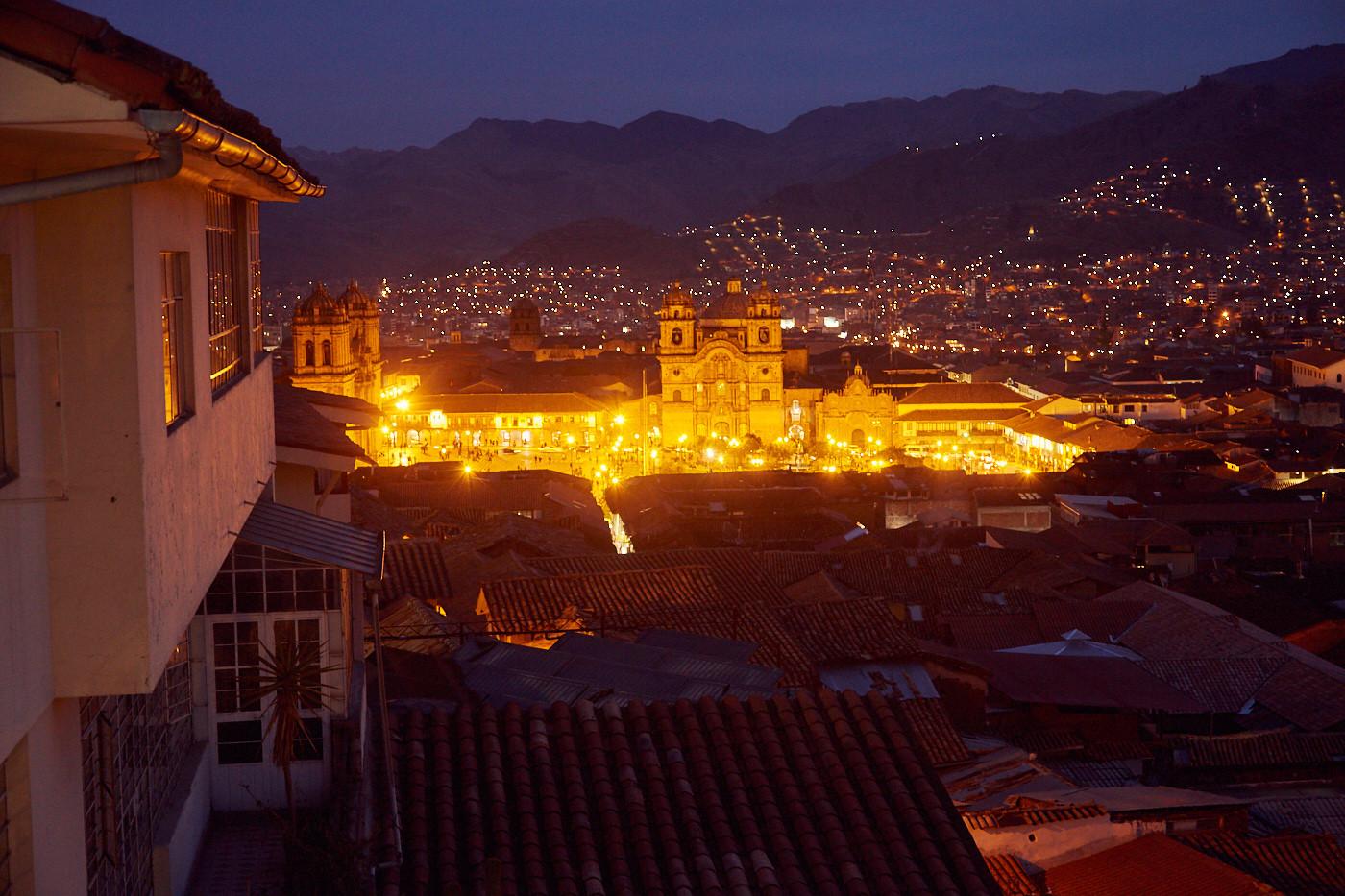 Vom Balkon des Killaly Inn in Cusco hat man einen tollen Ausblick auf den Plaza de Armas!