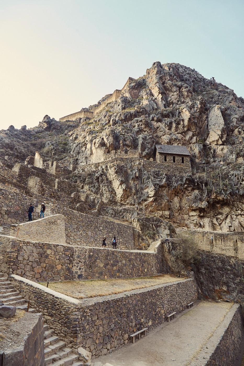 Die Ruinen von Ollantaytambo zählen zu unseren 4 Highlights in Peru. Die Festungsanlagen und der Sonnentempel sind gut erhalten und sehr beeindruckend