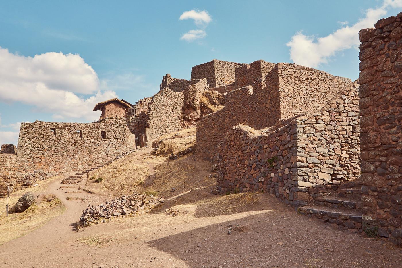 Unsere 4 Highlights im Heiligen Tal der Inka: Die Pisac Ruinen sind auch sehr gut erhalten und viel weniger besucht, als Machu Picchu