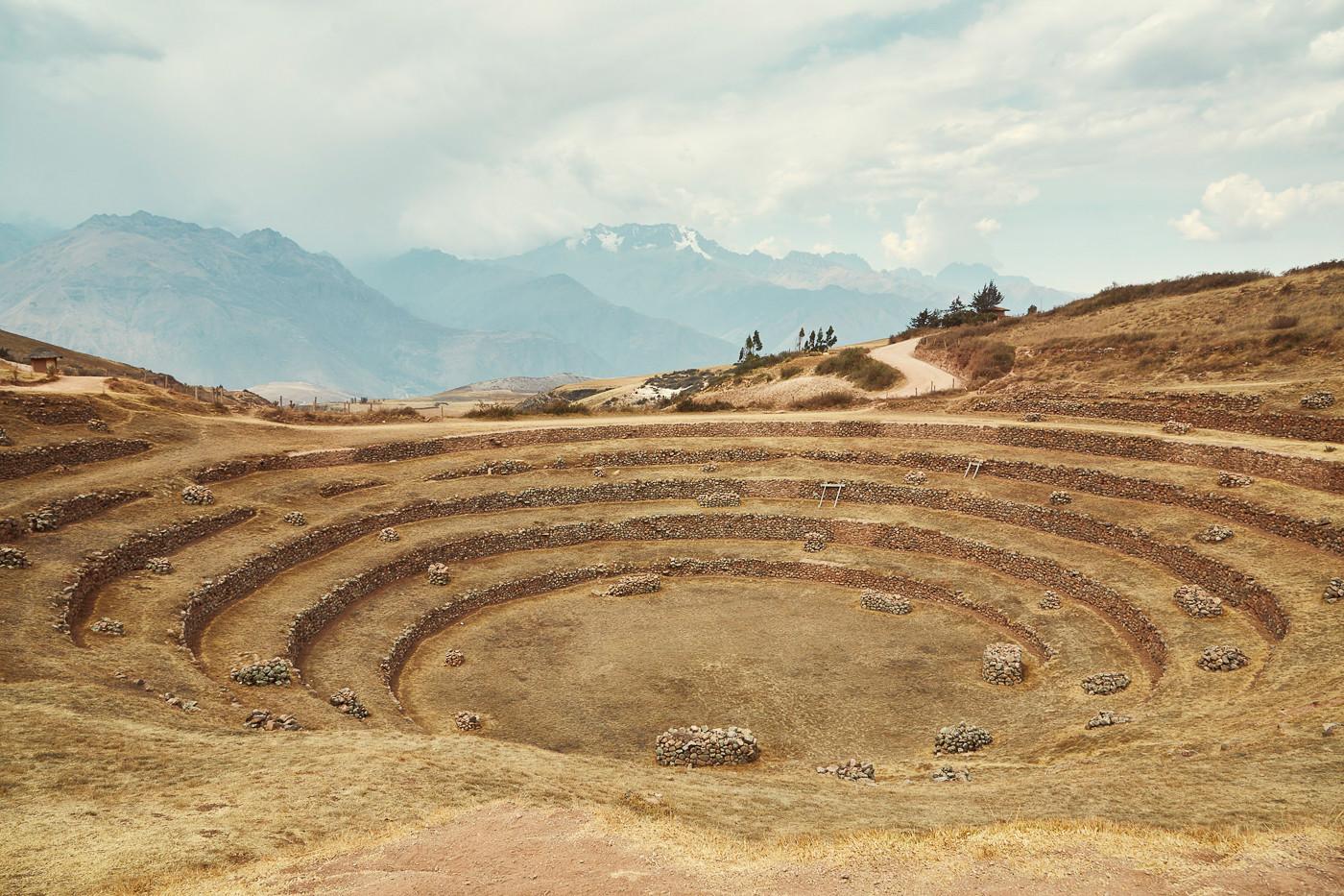 Die kreisförmig angeordneten Terrassen von Moray im heiligen Tal der Inka in Peru