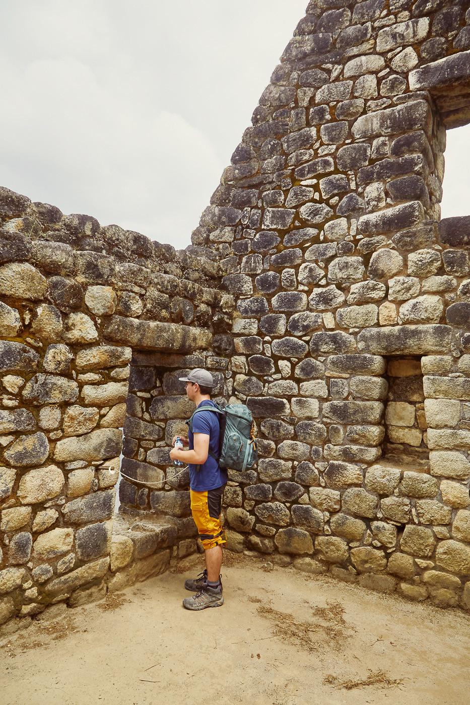 In den Ruinen am Hügel von Huayna Picchu. Hier haben Schamanen der Inka meditiert