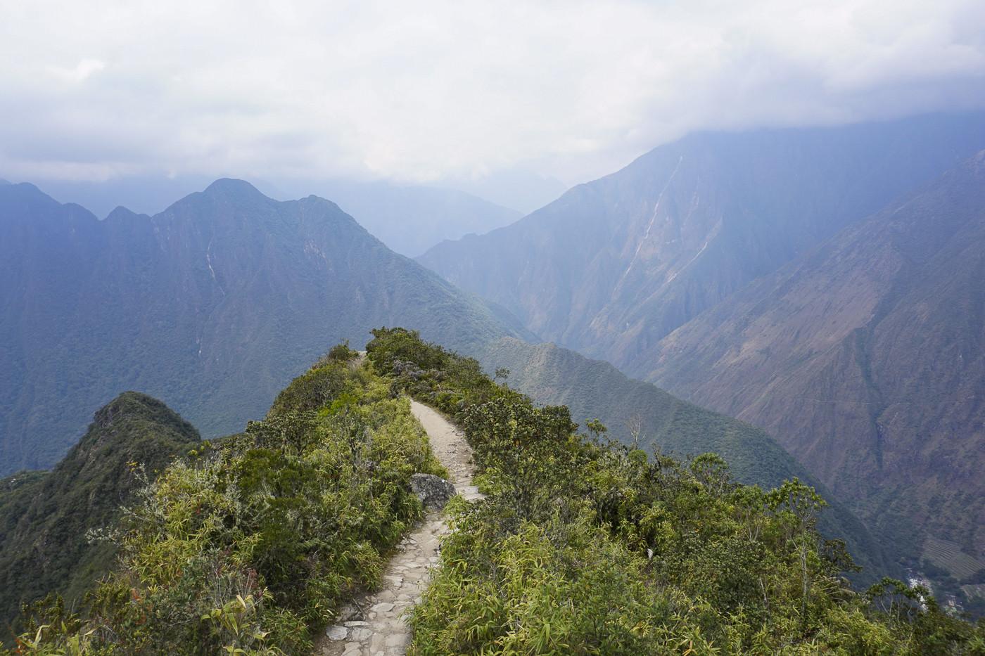 Die letzten Meter zum Gipfel des Machu Picchu Mountain
