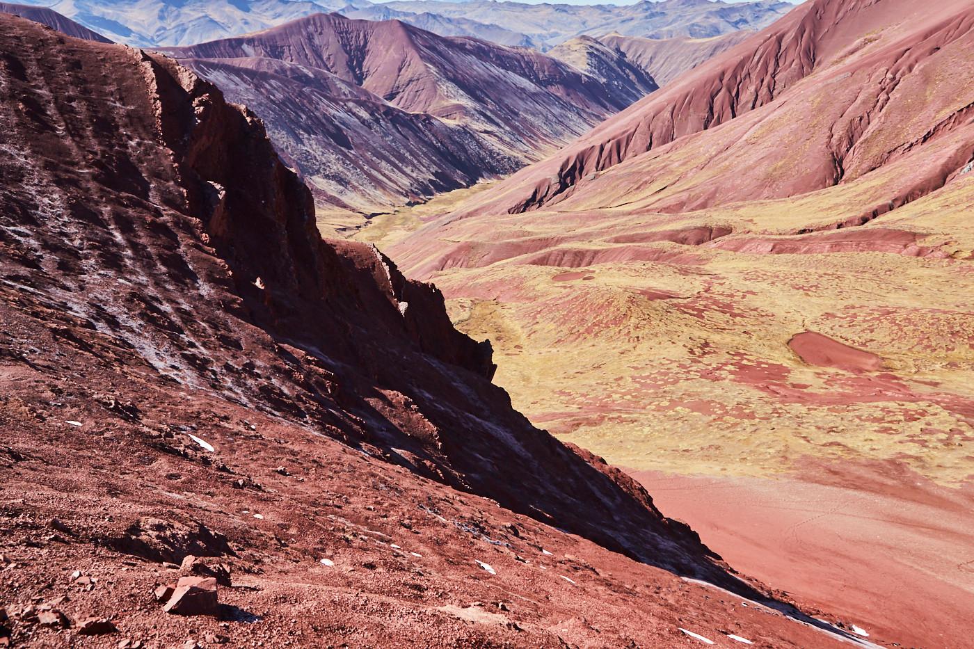 Das Red Valley in Peru ist mein absolutes Highlight unseres Peru Urlaubes! Rote Felsen, soweit das Auge reicht