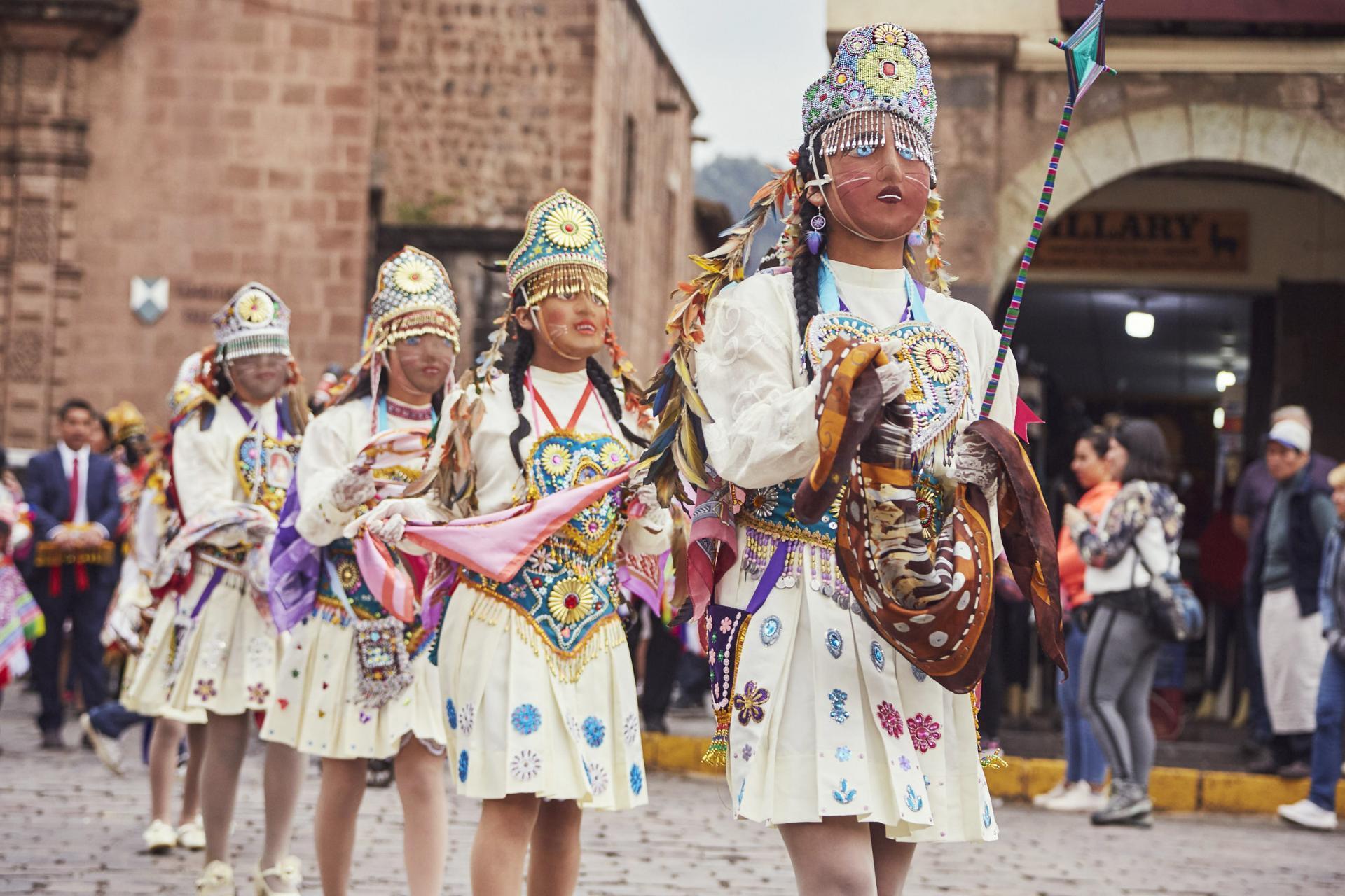Parade zur Fiesta del Señor de Huanca in Cusco, Peru
