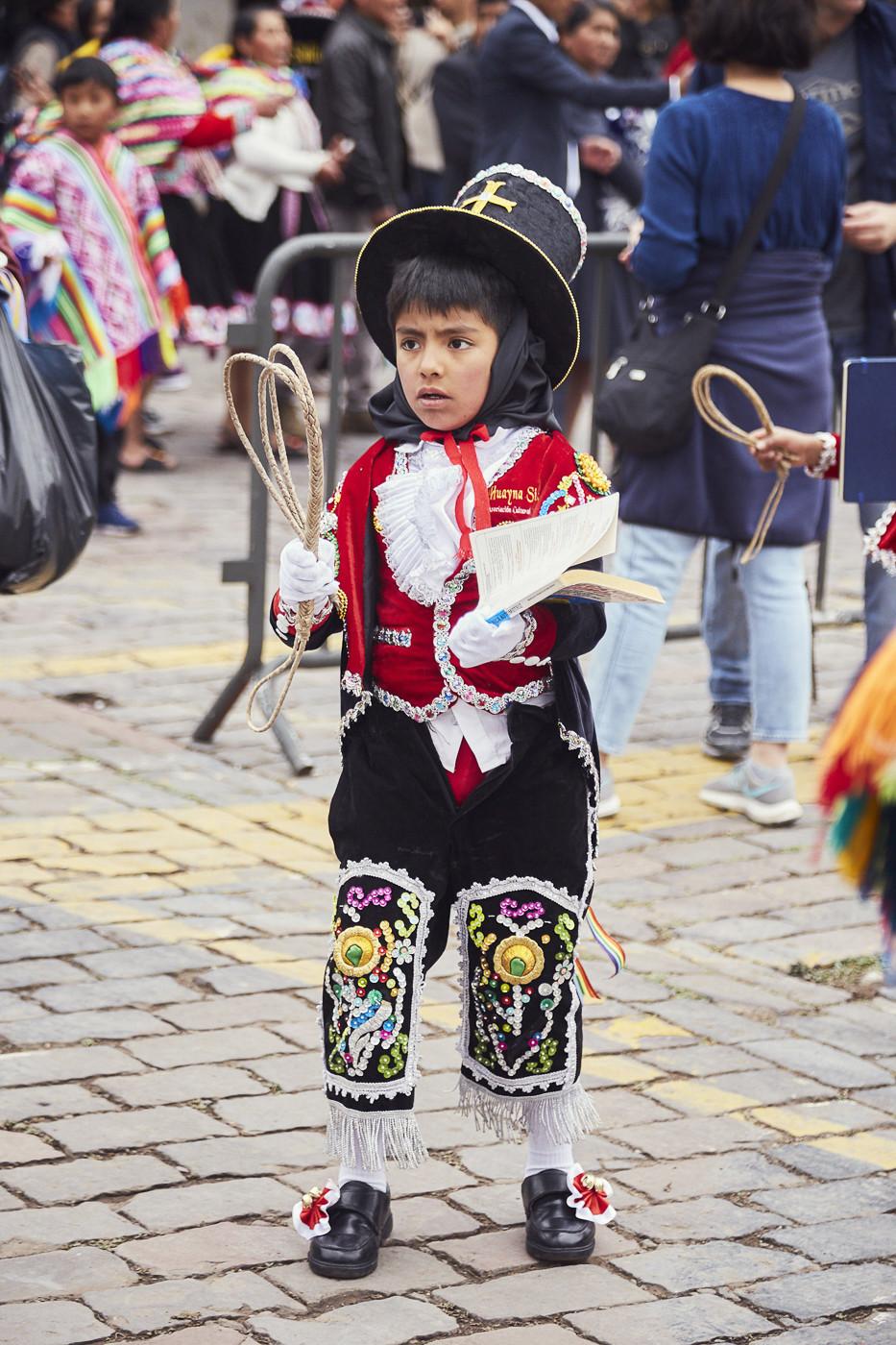 Junge bei der Fiesta del Señor de Huanca in Cusco, gesehen während unserer Peru Reise
