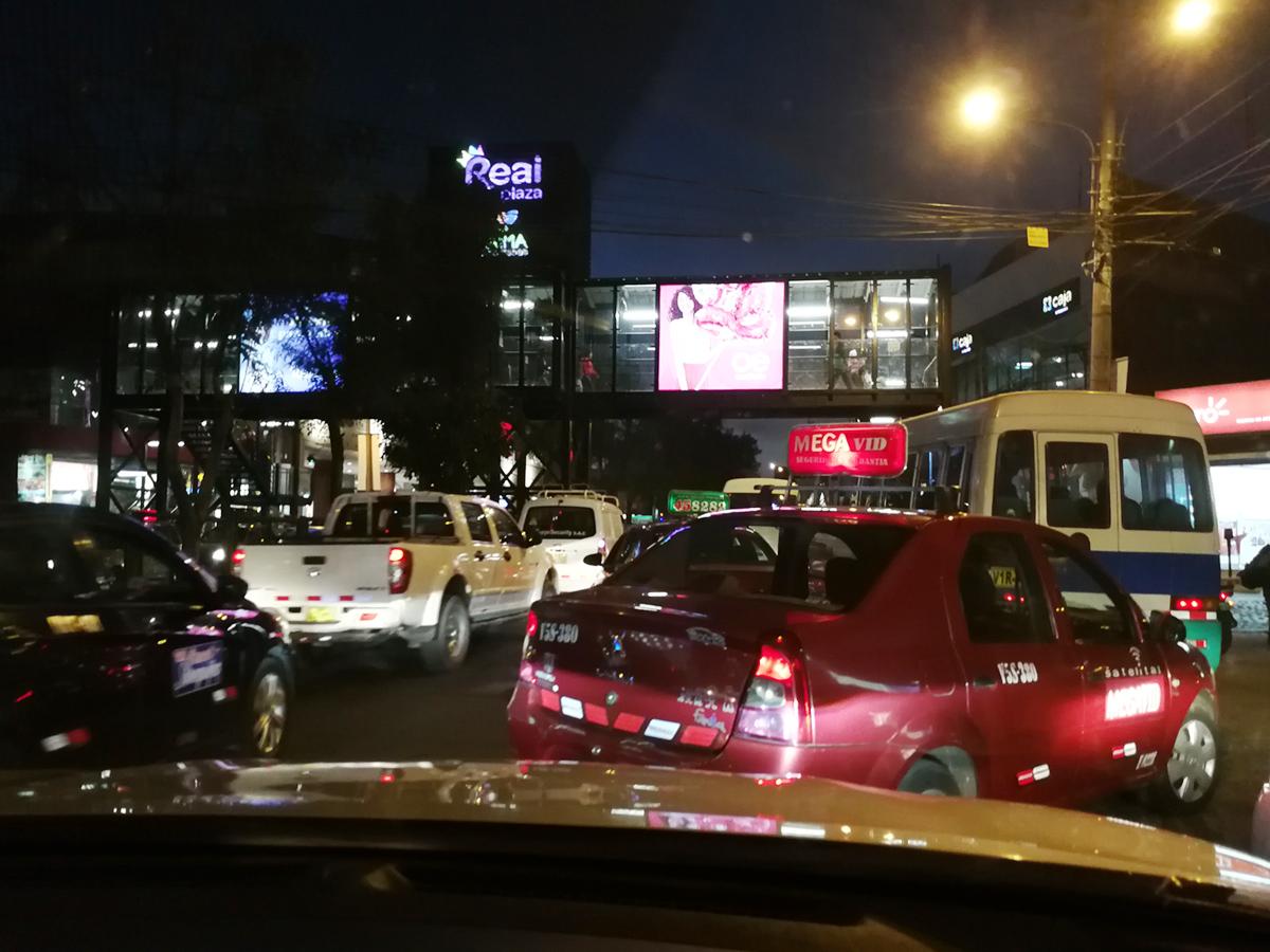 Autofahren in Peru zur Rushhour in Arequipa - nichts für schwache Nerven!