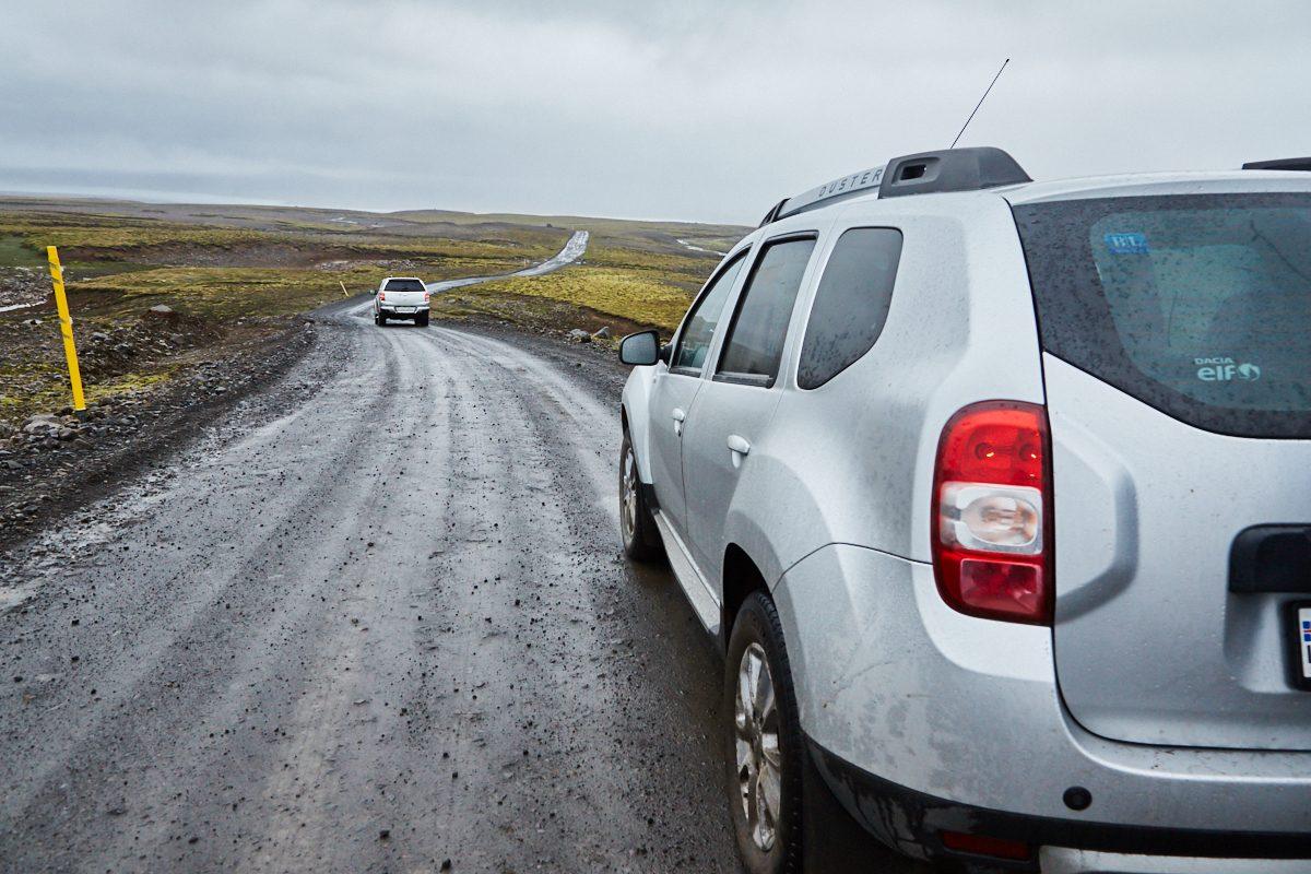 Die Straße nach Kerlingarfjöll, Regen, Island, schlechtes Wetter, Wandern in Island, street to Kerlingarfjöll, bad road conditions, 4WD, Iceland, which car